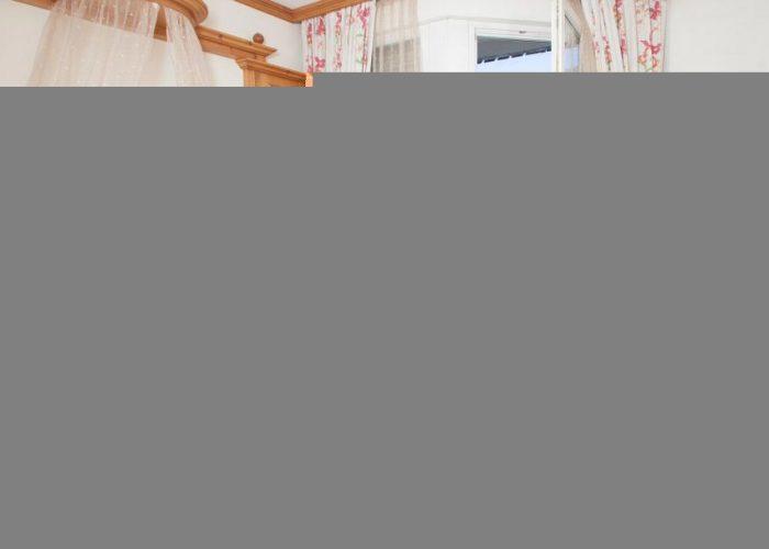 comfort-hotel-erica-salorno-stanza-romantik